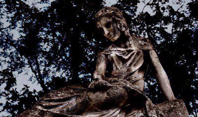 Hel-Statue-norse-mythology
